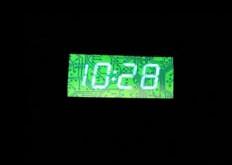 Ein T-Shirt mit LED Uhr (spassmarktplatz) Tags: auto tisch uhr