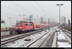 DB 111 125-1 - RE 10414 (Spoorpunt.nl) Tags: 2 januari 2017 db baureihe 111 1251 re regional express 10414 station bahnhof düsseldorf hamm sneeuw dosto wagens