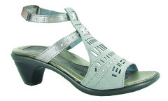 "Naot Vogue sandal light grey • <a style=""font-size:0.8em;"" href=""http://www.flickr.com/photos/65413117@N03/31854947603/"" target=""_blank"">View on Flickr</a>"