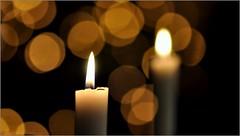 Warmte tussen Kerst en jaarwisseling. (hhw 2009) Tags: warmte kaars kaarslicht bokeh reflectie licht 2016 nikon
