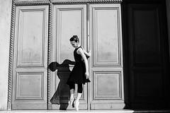DSC_5674м1 (elleurakova) Tags: paris love balet baletparis photographerparis dance dancestyle style streetstyle freedom beauty girl dancegirl balletgirl france baletfrance louvre nikond800 nikon nikonfr canon mrk3 igers bw