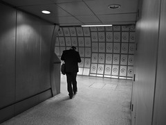 What might be around the corner? (MiguelHax) Tags: london bw wb blackandwhite whiteandblack monochrome underground noretblanc architecture