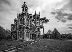 The Gothic Temple (grbush) Tags: bw monochrome architecture temple blackwhite buckinghamshire gothic stowe nationaltrust folly stowegardens stowelandscapegardens gothictemple stoweschool tokinaatx116prodxaf1116mmf28 sonyslta77