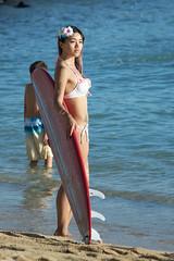 The Pose (Andym5855) Tags: girl photography hawaii waikiki oahu posing bikini surfboard