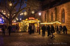 DSC09182_s (AndiP66) Tags: weihnachtsmarkt münsterplatz basel adventszeit schweiz switzerland lights lichter beleuchtung weihnachtsbeleuchtung nachtaufnahme christmasmarket nacht abend night christmaslights sony sonyalpha 7markii 7ii 7m2 a7ii alpha ilce7m2 sonyzeisstfe35mmf28za zeissfe35mmf28 zeiss fe 35mm f28 sel35f28z andreaspeters