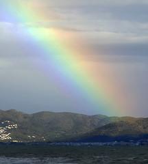 ARC DE SANT MARTÍ - DES DE EMPÚRIAS (Joan Biarnés) Tags: lescala altempordà empordà paisatge arcoiris arcdesantmartí paisaje 212 panasonicfz1000 empúrias