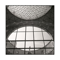 spheres • figueres, catalunya • 2016 (lem's) Tags: spheres museum musee dali figueres catalogne catalonia catalunya spain espagne zenza bronica
