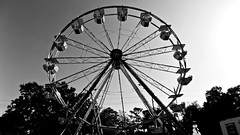 The Ferris Wheel (BlueisCoool) Tags: flickr foto photo image capture picture photography nikon coolpic l330 carnival travel depth urban bw blackandwhite florida bigwheel ferriswheel observationwheel largoflorida