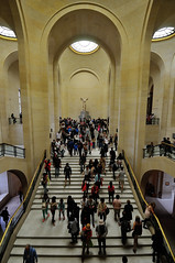 Victory at the Louvre (jmvnoos in Paris) Tags: paris france museum stairs nikon stair louvre crowd victory muse vault foule museums escalier lelouvre crowded victoire escaliers vaults wingedvictoryofsamothrace d300 victoiredesamothrace vote muses votes jmvnoos