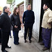 Mauricio Macri con Vidal y Salvador junto a vecinos de Merlo