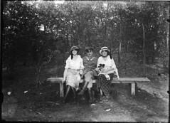 In het bos (Regionaal Archief Alkmaar Commons) Tags: ww1 bergen greatwar bonda eerstewereldoorlog wo1