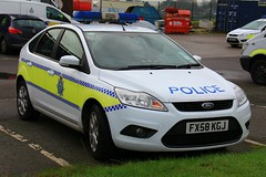 Lincolnshire Police Ford Focus Estate Incident Response Vehicle (PFB-999) Tags: ford car focus panda police headquarters lincolnshire lincoln vehicle leds hq irv incident hatchback workshops response unit lightbar lincs constabulary rotators dashlight fx58kgj
