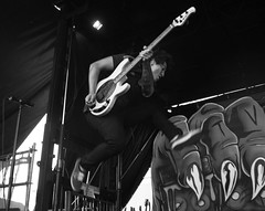 Pierce The Veil (Alicia Vazquez Photography) Tags: show park ca summer music chicago mike festival rock cali musicians wisconsin illinois concert midwest san punk tour veil post live warpedtour diego warped tony il cal hardcore milwaukee pierce vic jaime perry wi concertphotography fuentes ampitheater califonia chicagoil tinley musicphotography piercetheveil warpedtour2015