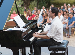 Sebastin Chames Tro en el Olivar de Castillejo (infinitum Photography & Video Production) Tags: musician music boston de concert nikon outdoor air concierto piano 85mm jazz concerto d750 musik pianist konzert msica plein aire libre musique msico tro musicien olivar pianiste pianista infinitum castillejo chames infinitumstudio sebastinchames