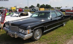 Big Caddy (Schwanzus_Longus) Tags: america american brougham cadillac car condition cruiser fleetwood german germany good land lot luxury market motorshow oldenburg parking saloon sedan us usa vehicle yacht auto fahrzeug linien outdoor big bumper meet old classic vintage black caddy