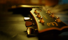 guitar (drummerwinger) Tags: rot gitarre canon700d sigma musik music gut guitar