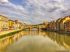 The Ponte Vecchio, Firenze (Nick Fewings 4.5 Million Views) Tags: colourful colours landscape iphone6 apple nickfewings architecture buildings bridge water reflections arno river vecchio ponte europe italia italy tuscany firenze florence