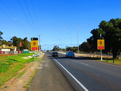 Main North Rd/Tiver Rd Intersection (RS 1990) Tags: june lights traffic signals adelaide intersection 11th evanston thursday southaustralia 2015 braums mainnorthrd tiverrd
