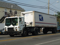 USPS Mack MR (JLaw45) Tags: road street new york city nyc blue red urban usa white ny apple america big mr mail state metro united duty north transport queens domestic american commercial transit area delivery vehicle service borough metropolis postal states usps avenue heavy mack northeast far metropolitan rockaway deliver postman 4x2 usmail cabover