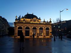 Avenue Foch (Toni Kaarttinen) Tags: sunset paris france clock night lights evening frankreich frana frankrijk avenue prizs francia iledefrance parijs suns parisian pars  parigi frankrike foch  pary   francja ranska pariisi  franciaorszg  francio parizo  frana