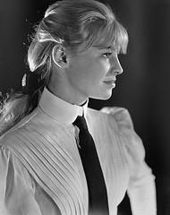 Julie Christie (drno_manchuria (simonsaw)) Tags: juliechristie actress actriz camisa corbata tie necktie shirt suit suited trajeada suitup encorbatada terno gravata cravat krawatte cravata menswear knot nudo tieatie collar cuello clothes masculina mujer mulher women girl