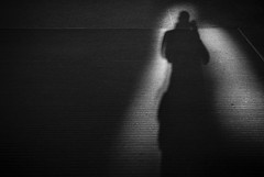 St Pancras (RoryO'Bryen) Tags: copyrightroryobryen roryobryen rangefinder londres london blackandwhite shadow kodaktrix standdeveloped selfdeveloped blancoynegro yesfilm ishootfilm rodinal 1100