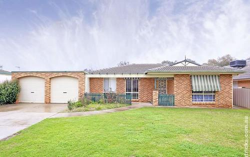 7 Bamarook Crescent, Glenfield Park NSW 2650