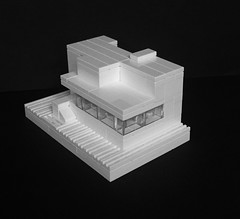 Lego Micro version of Mies van der Rohe's Villa Tugendhat. (askansbricks) Tags: bauhaus lego microscale micro modernism modernist modern architecture
