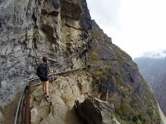 Les chemins escarpés de notre trek dans le Tiger Leaping Gorge