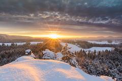 Sunburst (derliebewolf) Tags: natur sunrise winter sunshine sunstar sunburst sunrays sun cloud clouds seaofclouds cloudy mountains landscapes landscape goldenhour bluehour fog mist snow snowstorm joy travel stormy goldensnow