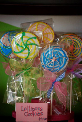 16-Party Favors at polkatots CupCakes