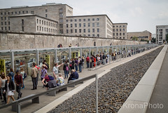 A story to learn and never forget, Berlin, Germany (KronaPhoto) Tags: berlin germany history jews sad war memorial wall street city urban museum berlinmur mauer mur streetphotography cityscape people mennesker visitors buildings architecture