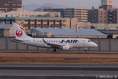 Itami Sky Park 2017.1.1 (3) JA224J / J-AIR's ERJ-170 (double-h) Tags: eos6d ef300mmf28lisiiusm rjoo itm osakaairport itamiairport 大阪空港 伊丹空港 airplane 飛行機 伊丹スカイパーク itamiskypark ja224j jair jal ジェイエア erj170