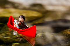 Rey and BB-8 on a canoe (Ballou34) Tags: 2016 650d afol ballou34 canon eos eos650d flickr lego legographer legography minifigures photography rebelt4i stuckinplastic t4i toy toyphotography toys rebel stuck plastic star wars starwars sw sw7 the force awakens tfa rey bb8 droid canoe river water paddle