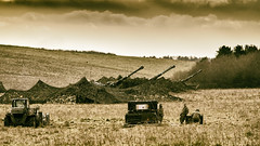 bringing out the big guns (HHH Honey) Tags: sonya7rii wiltshire winter sony70300g military militaryvehicles selfpropelledguns army spg militaryhardware soldiers salisburyplain googlenikcollection analog 117picturesin2017 britisharmy landscape manoeuvres exercises netheravon