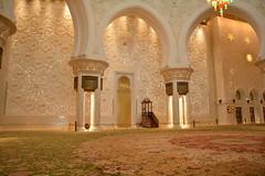 Sheikh Zayed grand mosque (yashin.soraballee) Tags: mosque sigma 1770mm lights islamic calligraphy carpet abu dhabi sheik zayed