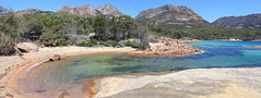 Honeymoon Bay (jpotto) Tags: austyralia tasmania freycinetpeninsula beach sand sea scenery honeymoonbay bay