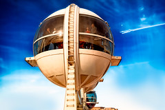 Apex Sightseers, Pod No.10 (Stefan Schafer) Tags: d750 nikon lasvegas machine pod capsule wheel up pov rotation ferriswheel highroller height inside people reflection sun desert blue sky