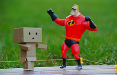 Danbo : the winner is ...... (Projets photos - +Mon groupe ABCédaire) Tags: danbo winner ring rouge flickr nikon makemesmile