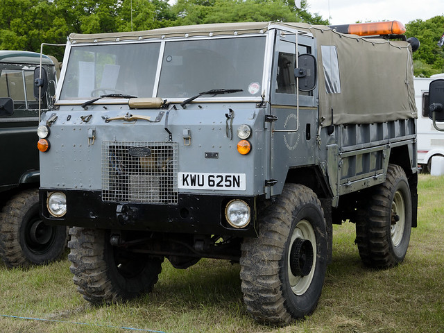 Land Rover 101 Forward Control (1975)