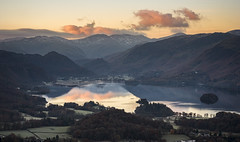 Golden Silence (Peter Henry Photography) Tags: derwentwater sunrise morning keswick lakedistrict latrigg colour reflection