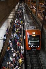 Problemas nas linhas 11 e 12 da CPTM 26-02-2015-73 (BWpress.foto) Tags: incendio trem acidente alckmin bwpress cptm ferrovia governo pane passageiros transporte trilhos tumulto zonaleste