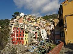 Riomaggiore (France-♥) Tags: 2577 riomaggiore cinqueterre 5terre liguria ligurie italia italy village europe