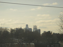 Philadelphia Cityscape Skyline 0197 (Brechtbug) Tags: philadelphia cityscape above row houses skyline pennsylvania traffic metropolis transit transportation from amtrak train window car trains gloomy 2017 pa 01192017 january philly penn
