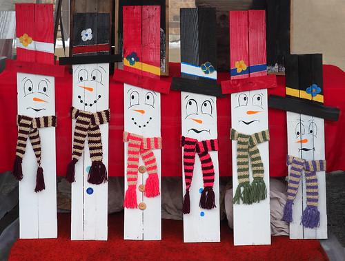 Barnboard Snowmen