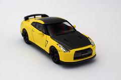 Nissan GT-R R35 (nighteye) Tags: 164 kyosho nissan gtr r35