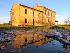 IMG_0029x (gzammarchi) Tags: italia paesaggio natura pianura campagna ravenna sanmarco casa cascina riflesso pozzanghera