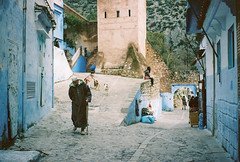 Chefchaouen (swerveyifan) Tags: contax morroco chefchaouen t2 contaxt2 portra160 film