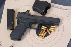 JAB7902 (Joseph Berger Photos) Tags: 9mm 9x19 burrisfastfire2 glock glock34 glockmos guns pistol firearms