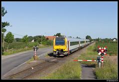 NMBS 4128 + 4177 - L 780 (Spoorpunt.nl) Tags: juni hand 7 het trein 41 mw 2015 nmbs 780 4177 4128 overweg arisdonk